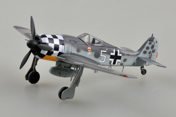 TR 36401 FW190A-6 WHITE 5 UFFZ RUDOLF JULY 1943 EASY MODEL