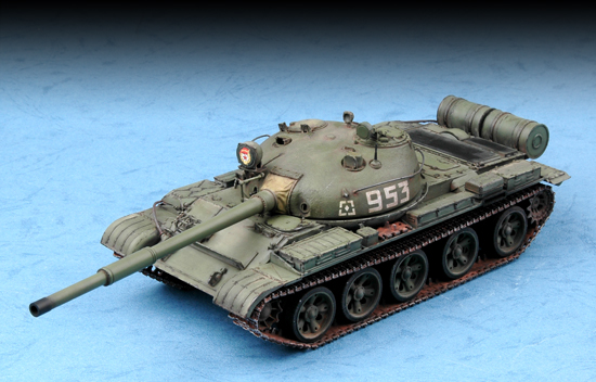 TR 07146 RUSSIAN T-62 MAIN BATTLE TANK MOD. 1962 TRUMPETER