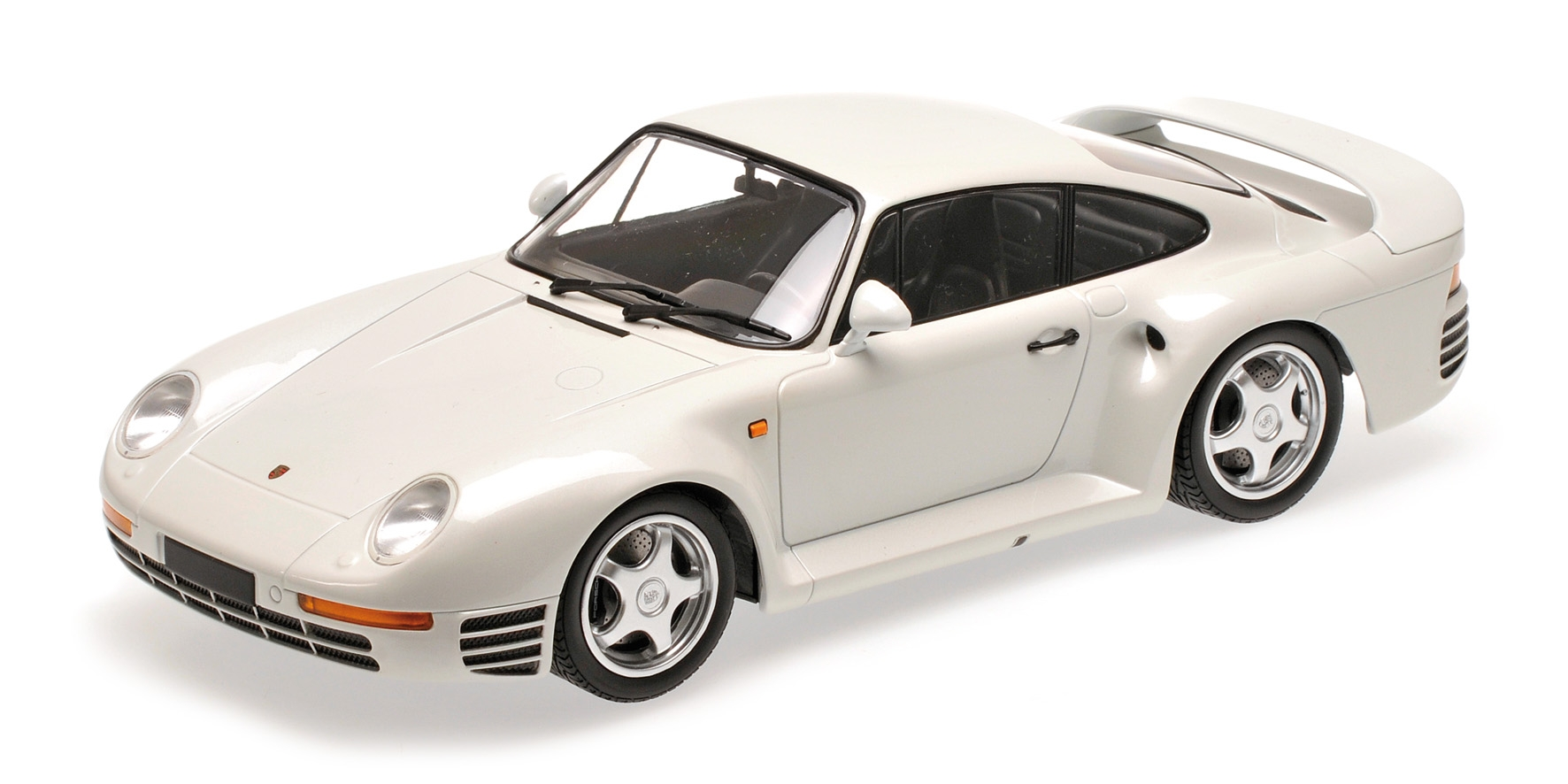 PORSCHE 959 155066206 WHITE METALLIC 1987 Minichamps 155066206 959 9251ea